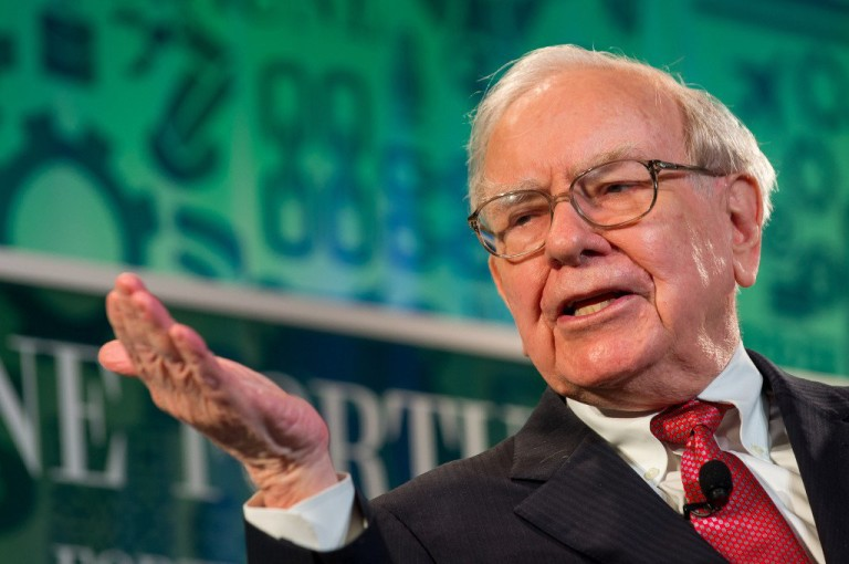 How to Forecast a Market Downturn like Warren Buffett