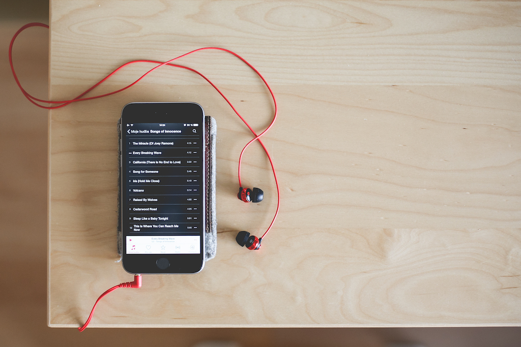 6 Podcasts to Reach Financial Independence Faster